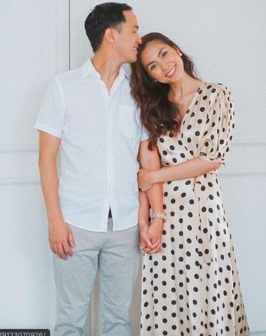 Hiếm hoi khoe ảnh chụp chung cùng vợ, ông xã doanh nhân của Tăng Thanh Hà lại khiến dân tình ghen tị vì thể hiện hành động tình cảm này - Ảnh 2.
