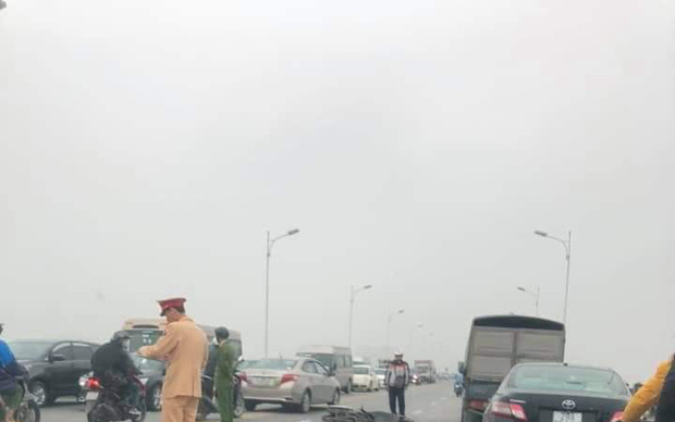 Hà Nội: Người đàn ông tử vong giữa cầu Vĩnh Tuy nghi gặp tai nạn