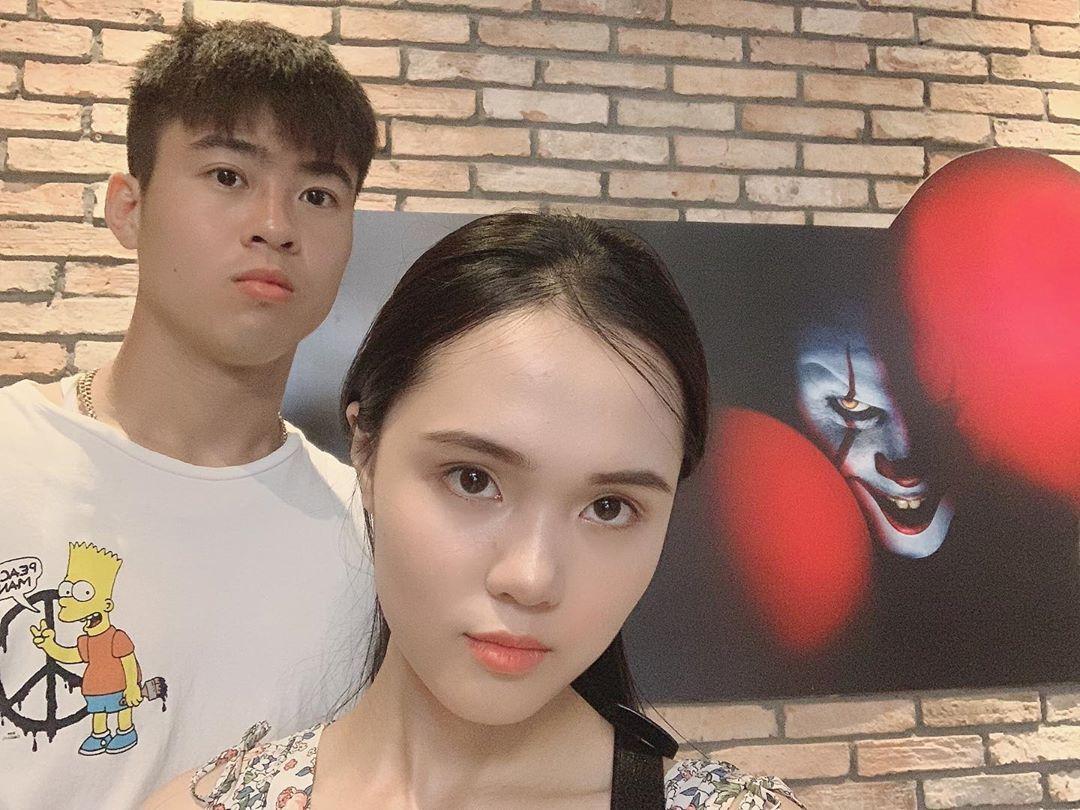 Vợ Duy Mạnh là tiểu thư nhà giàu nhưng skincare siêu đơn giản chỉ với 2 món để da căng bóng như gái Hàn - Ảnh 5.