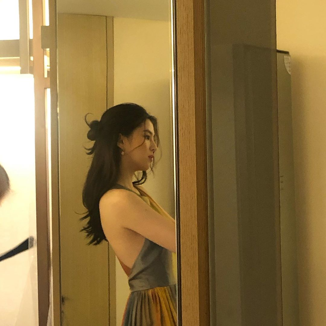 """Jisoo đọ sắc cùng """"tiểu tam"""" đang hot nhất màn ảnh Hàn, chứng minh: Idol cũng có thể đẹp chẳng kém diễn viên - Ảnh 2."""
