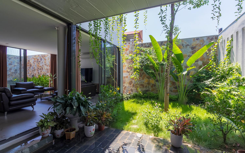 Ngôi nhà 3 tầng lấy cảm hứng từ ruộng bậc thang giúp từng góc nhỏ gần hơn với thiên nhiên ở Ninh Bình