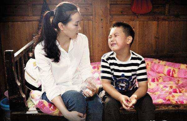 Nàng Tình Nhi của Hoàn Châu cách cách: Khổ sở vì con trai độc nhất quá hỗn láo, kiên quyết dùng tình yêu để dạy con và cái kết ấm lòng - Ảnh 3.