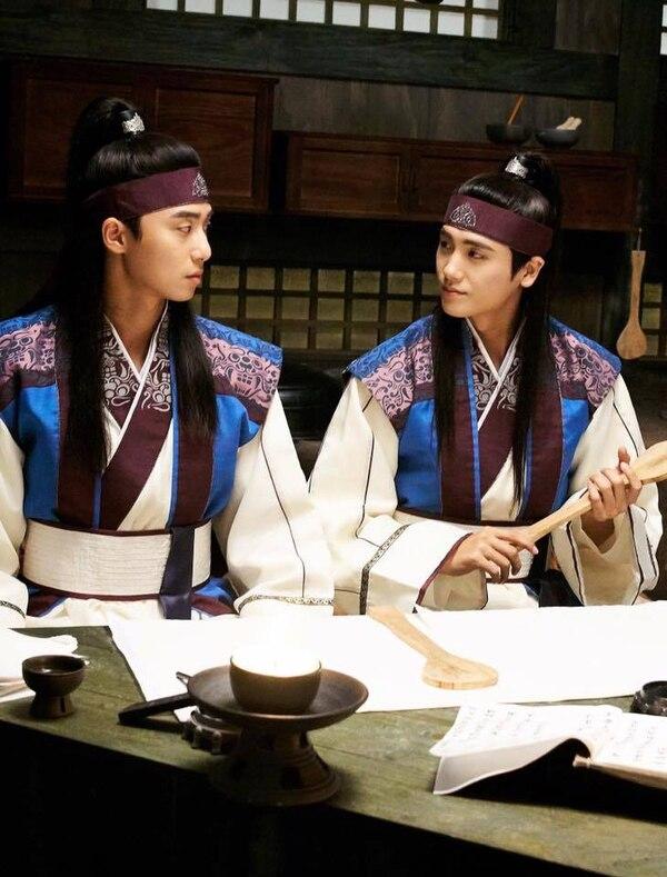 """10 mối tình tay ba trong phim Hàn đáng xem mùa dịch: """"Reply 1988"""" của Park Bo Gum siêu hay, Jang Nara - Park Shin Hye đầy rối rắm - Ảnh 15."""