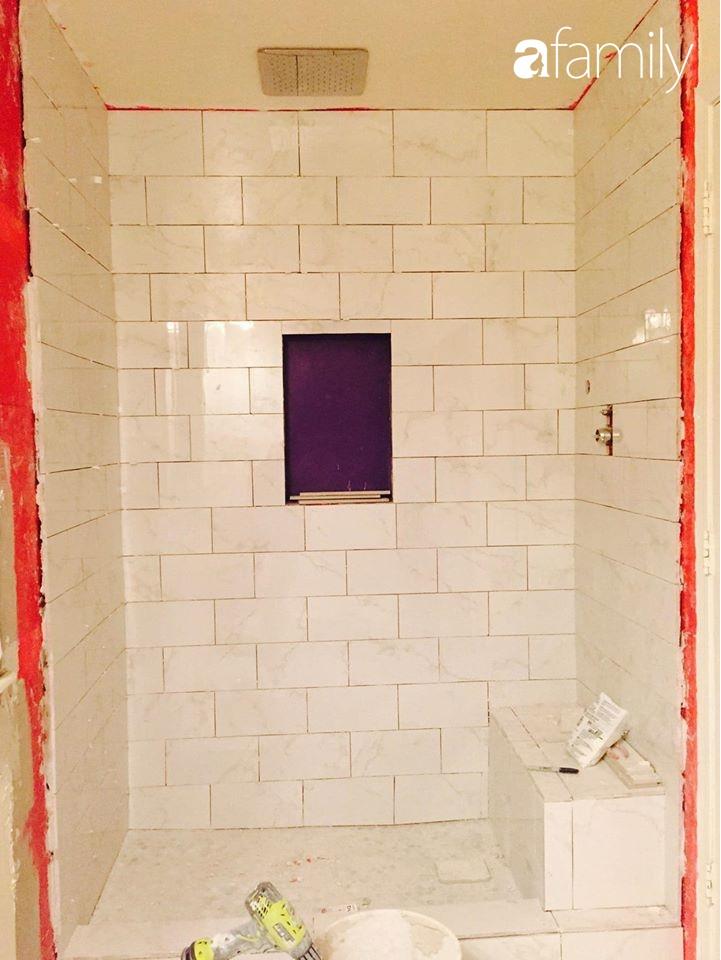 Kỉ niệm 6 năm ngày cưới, cặp vợ chồng Việt khoe khéo không gian phòng tắm tự tay cải tạo từng chút một ở đất Mỹ - Ảnh 15.