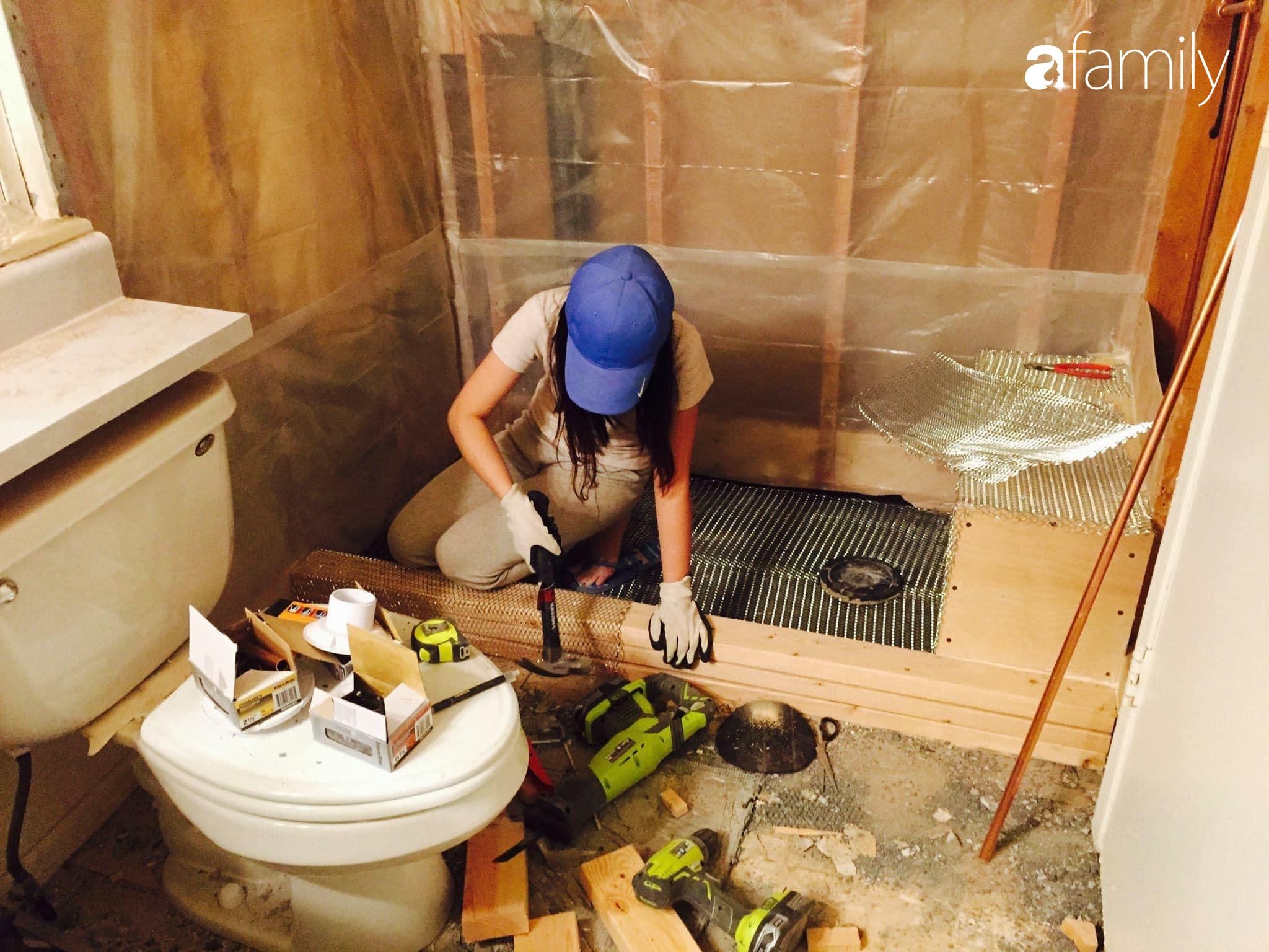Kỉ niệm 6 năm ngày cưới, cặp vợ chồng Việt khoe khéo không gian phòng tắm tự tay cải tạo từng chút một ở đất Mỹ - Ảnh 7.