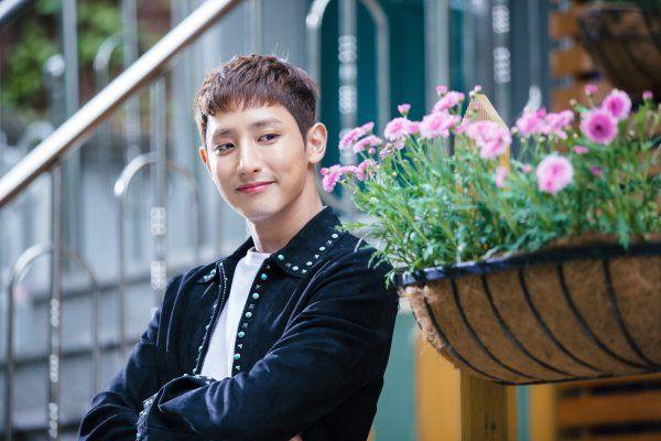 """10 mối tình tay ba trong phim Hàn đáng xem mùa dịch: """"Reply 1988"""" của Park Bo Gum siêu hay, Jang Nara - Park Shin Hye đầy rối rắm - Ảnh 17."""
