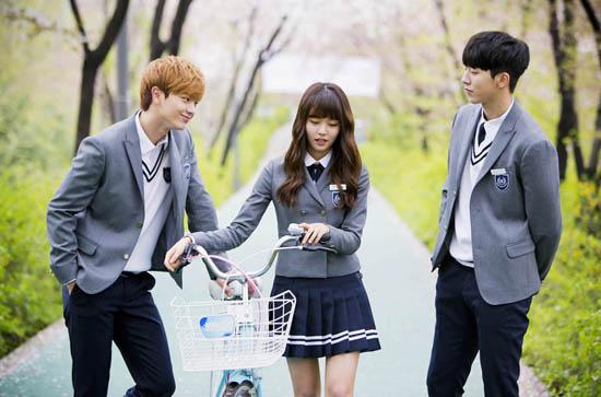 """10 mối tình tay ba trong phim Hàn đáng xem mùa dịch: """"Reply 1988"""" của Park Bo Gum siêu hay, Jang Nara - Park Shin Hye đầy rối rắm - Ảnh 13."""