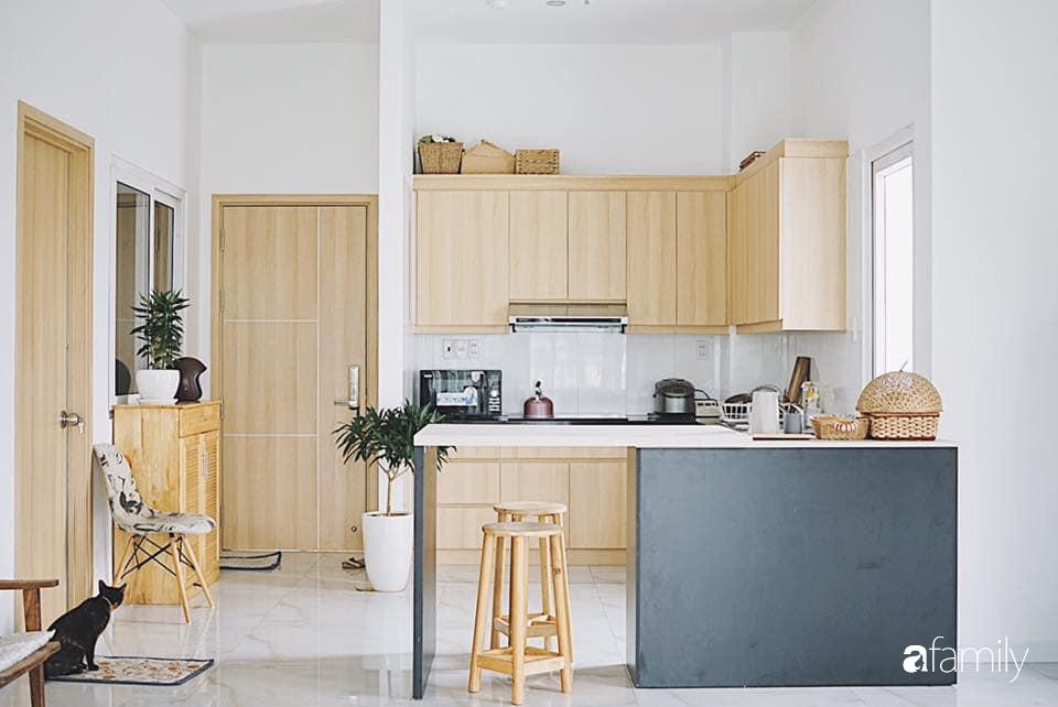 Căn hộ thuê lại được thiết kế nội thất thẩm mỹ và tối giản của cặp vợ chồng yêu thích sống tự do ở Sài Gòn - Ảnh 3.
