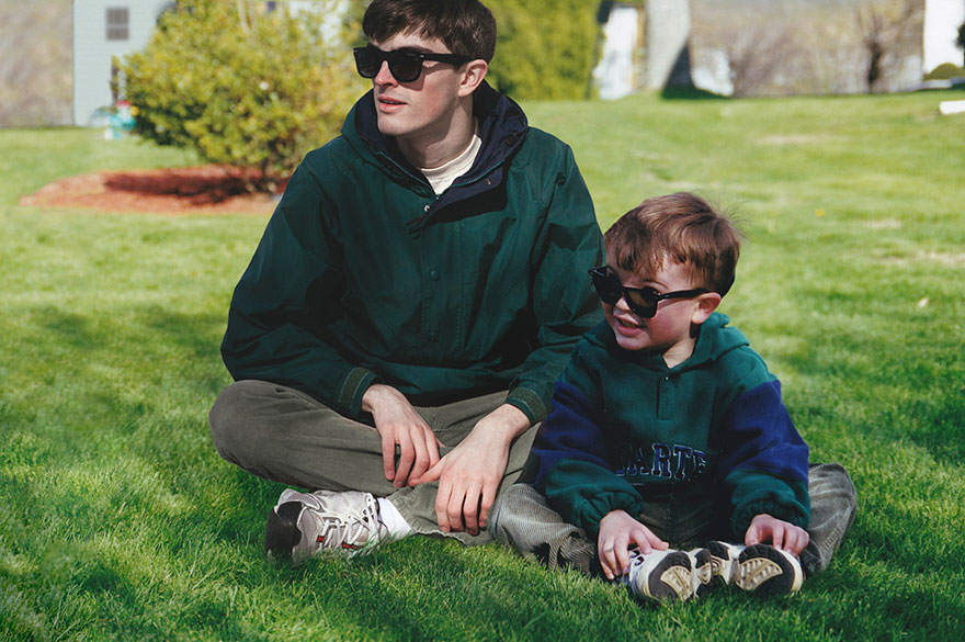 Với tài Photoshop điệu nghệ, chàng trai có thể quay ngược thời gian để gặp chính mình hồi bé - Ảnh 1.