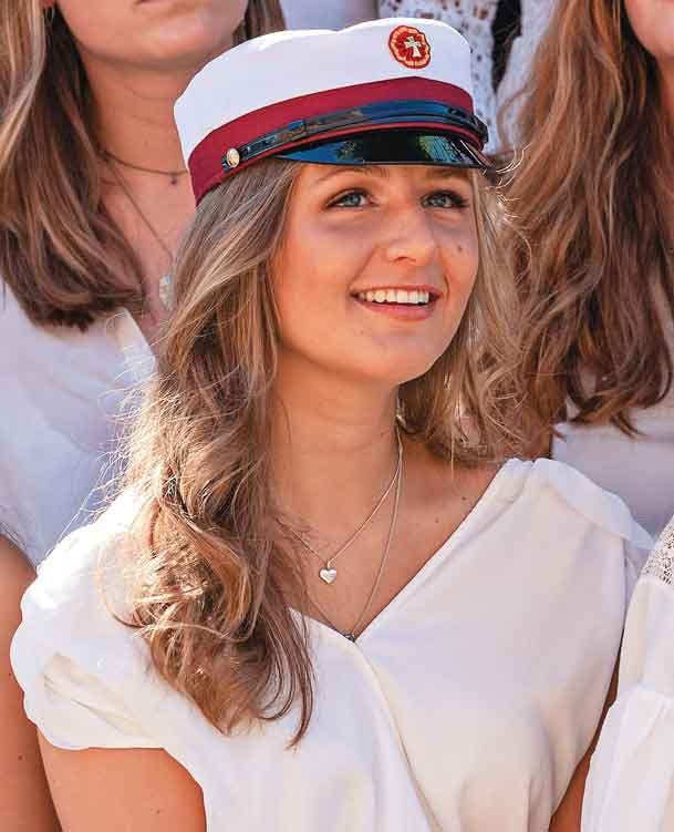 Hoàng tử Đan Mạch đẹp tựa nam thần khiến nhiều thiếu nữ tan giấc mộng khi giới thiệu bạn gái, người may mắn được chọn cũng vô cùng ưu tú - Ảnh 5.