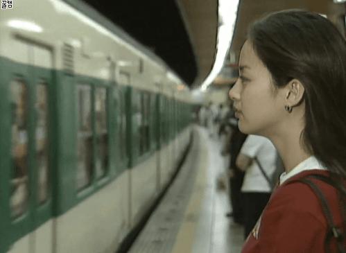 """Hình ảnh thời đại học của Kim Tae Hee bất ngờ được """"đào mộ"""", đúng là xứng danh nữ thần Kbiz - Ảnh 4."""