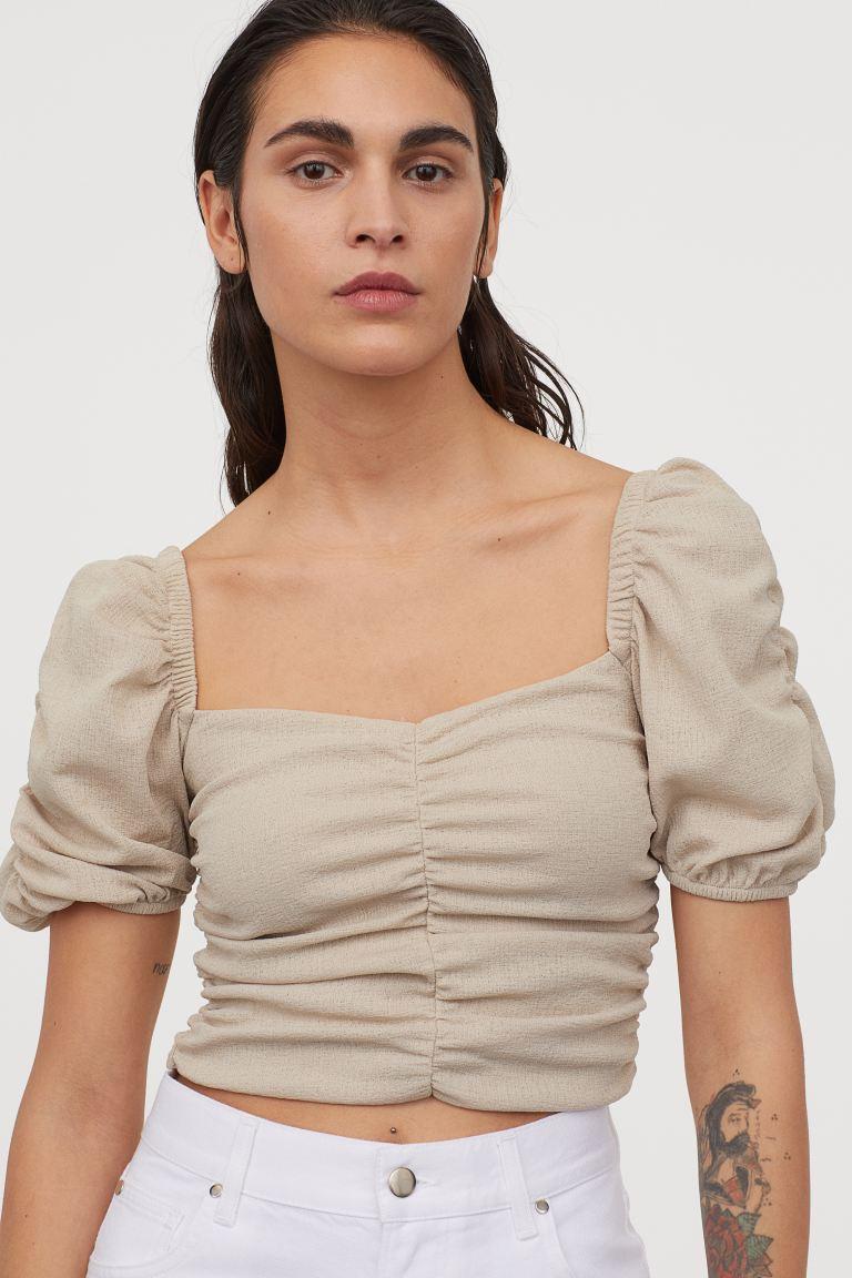 Kiểu áo vừa sexy vừa sang chảnh đang được các quý cô châu Á thi nhau diện, bạn còn chưa update thì thật có lỗi với tủ đồ - Ảnh 16.