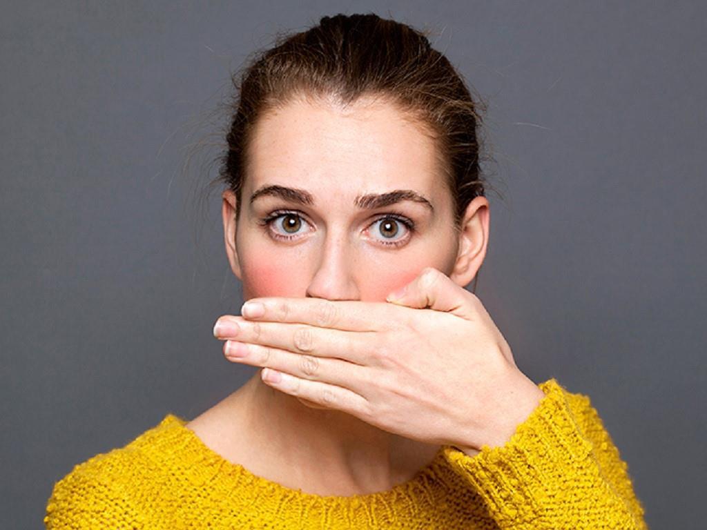 Điểm mặt 5 thủ phạm gây hôi miệng mà bạn không ngờ tới và cách khắc phục hơi thở có mùi - Ảnh 2.