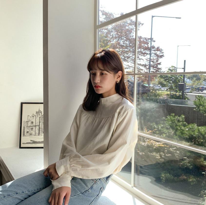 """Ngắm bộ ảnh xuất thần của """"tiểu tam"""" Thế Giới Hôn Nhân, sành mốt đến mấy thì nàng công sở cũng phải công nhận combo blouse +  jeans luôn là tuyệt nhất - Ảnh 9."""