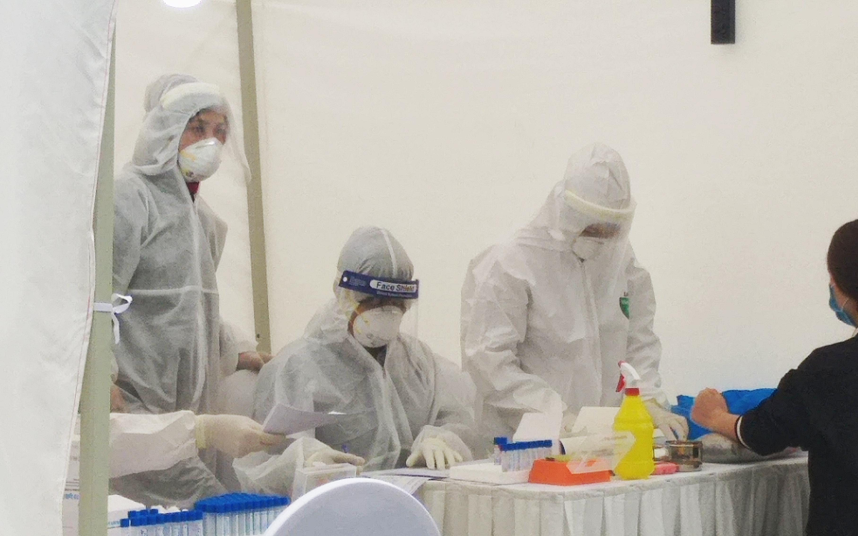 Hà Nội: Tiếp tục triển khai các chốt xét nghiệm nhanh Covid-19 tại các chợ đầu mối