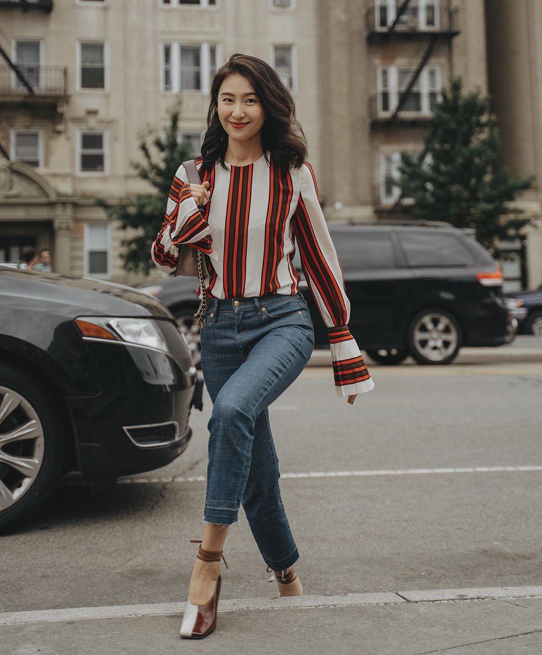 """Ngắm bộ ảnh xuất thần của """"tiểu tam"""" Thế Giới Hôn Nhân, sành mốt đến mấy thì nàng công sở cũng phải công nhận combo blouse +  jeans luôn là tuyệt nhất - Ảnh 4."""