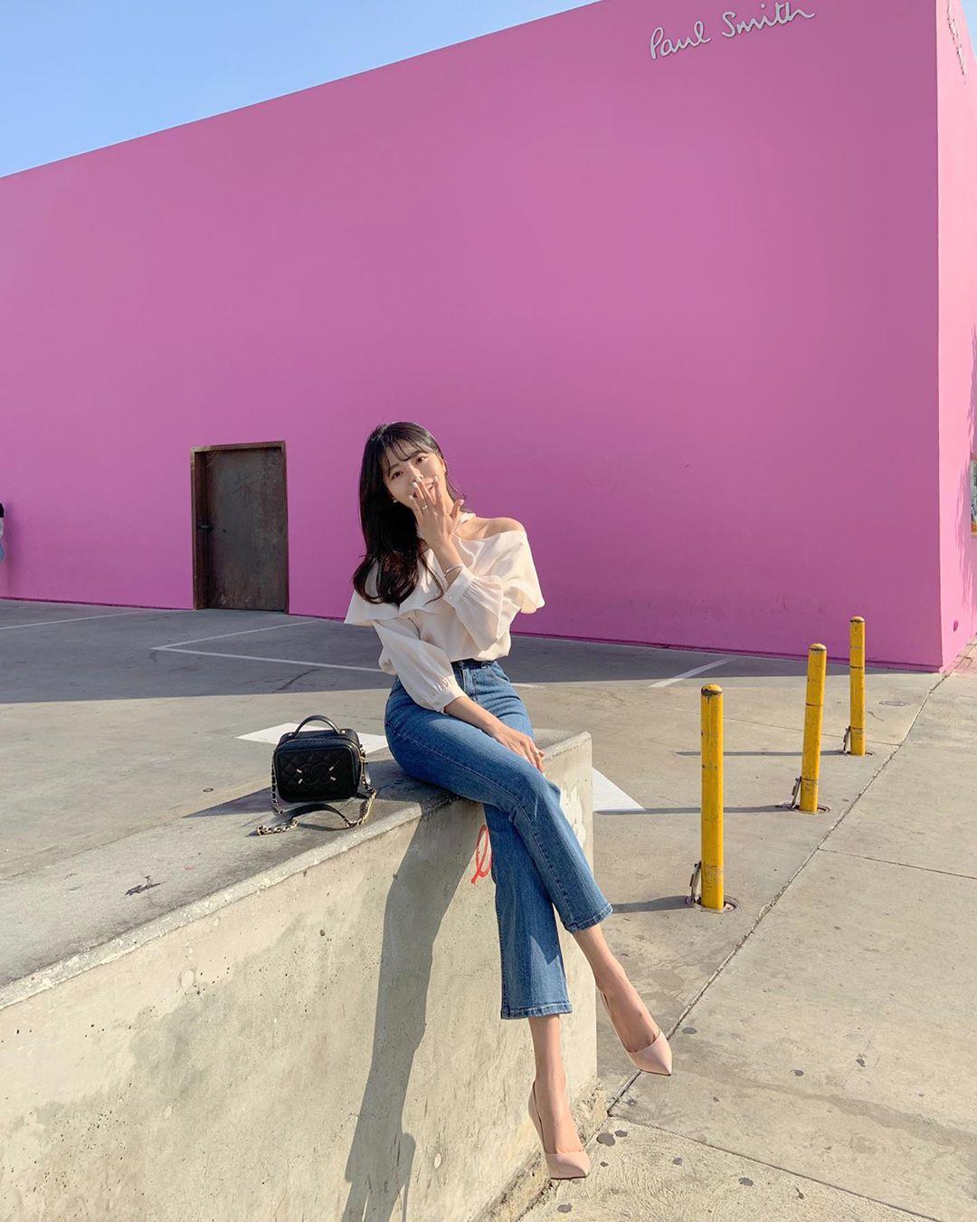Quý cô chuyên diện quần skinny jeans gợi ý 3 kiểu giày dép kết hợp siêu ăn ý, lại còn kéo chân dài vô địch - Ảnh 9.