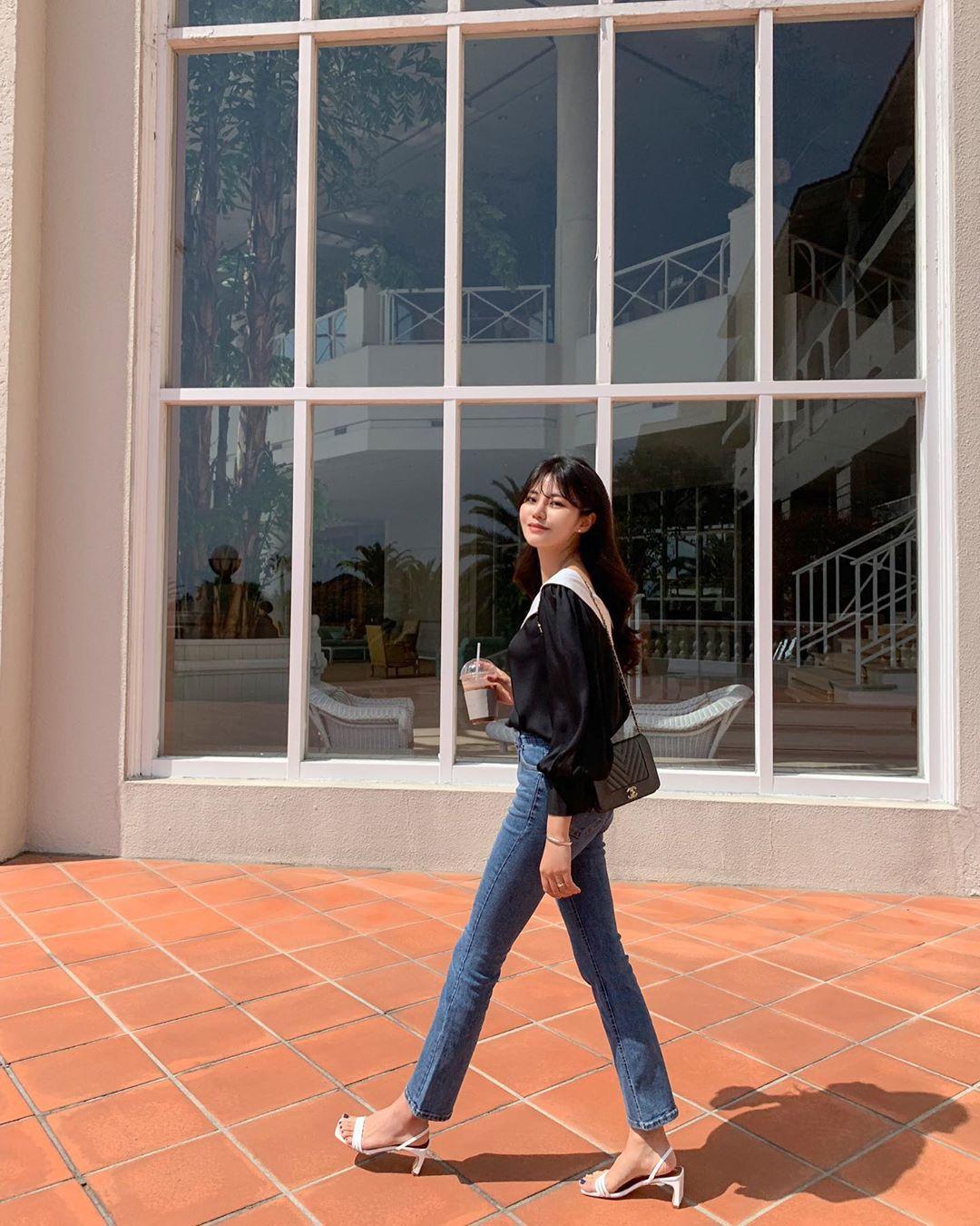 Quý cô chuyên diện quần skinny jeans gợi ý 3 kiểu giày dép kết hợp siêu ăn ý, lại còn kéo chân dài vô địch - Ảnh 6.