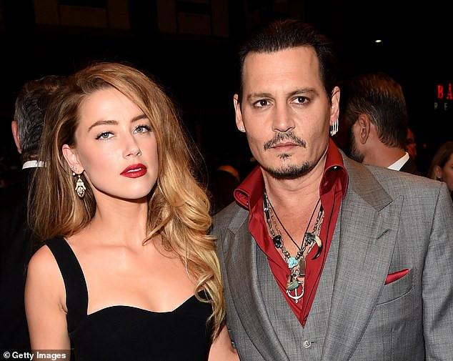 """Johnny Depp tức tốc lập Instagram sau ồn ào Amber Heard bị lộ bằng chứng """"dẫn trai về nhà"""", còn chần chờ gì mà không follow? - Ảnh 2."""