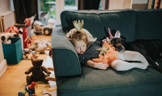 """Cười """"té ghế"""" với chùm ảnh an ủi các bố mẹ: nhà ai có con nhỏ cũng đều """"toang"""" như nhau  - Ảnh 7."""