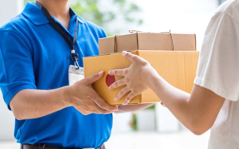 4 bước đơn giản cần ghi nhớ để nhận hàng mua online an toàn, tránh được nguy cơ lây nhiễm virus từ bên ngoài