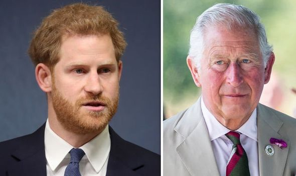 Báo Mỹ: Harry muốn trở về Anh để giúp đỡ gia đình, Meghan Markle ngay lập tức đe dọa sẽ ly hôn - Ảnh 1.