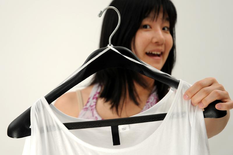 Mua váy áo hay có chi tiết này nhưng 90% các chị em đều không biết tác dụng thú vị của nó - Ảnh 5.