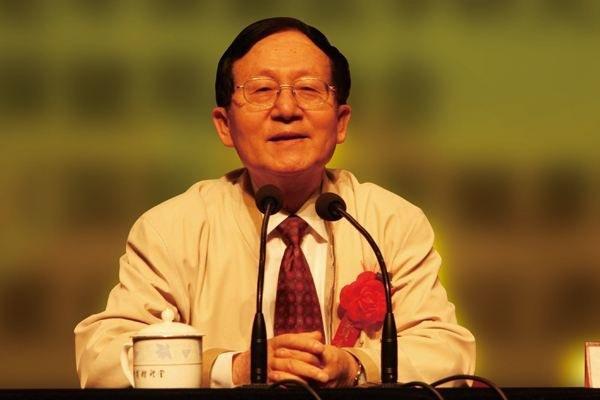 """Chuyên gia nổi tiếng Trung Quốc tiết lộ 5 """"đơn thuốc"""" kéo dài tuổi thọ và hỗ trợ sức khỏe cần phải làm ngay trước tuổi 60 nếu không bạn sẽ hối hận - Ảnh 1."""