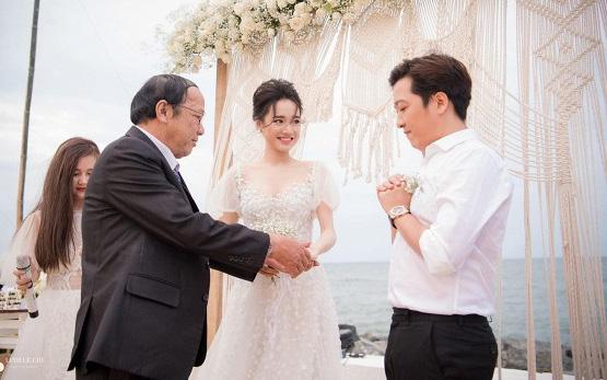 Những khoảnh khắc xúc động nhất lễ đính hôn bí mật của Trường Giang - Nhã Phương lần đầu được tiết lộ