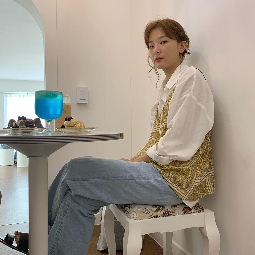 Áo sơ mi trắng có nhạt cỡ nào thì vào tay các mỹ nhân Hàn cũng ra được những set đồ đẹp mê ly - Ảnh 7.