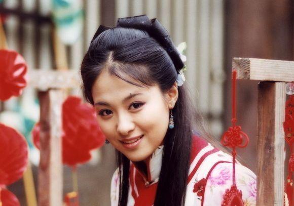 Vì sợ Triệu Vy mà mỹ nữ này phải đổi tên, gây tiếc nuối vì bỏ loạt phim đình đám để lấy chồng là hậu duệ Càn Long  - Ảnh 7.