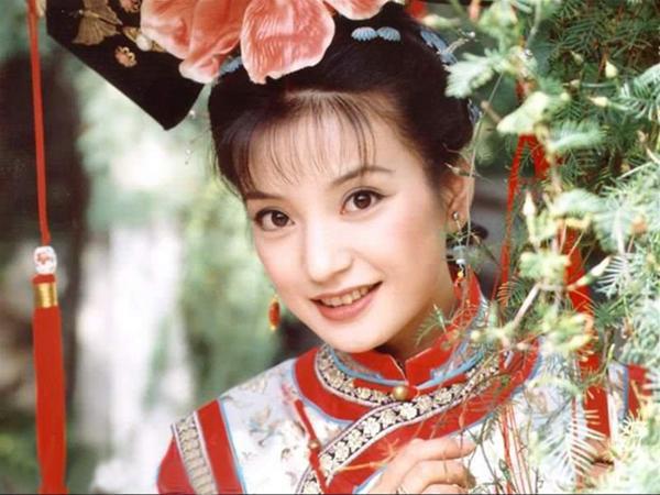 Vì sợ Triệu Vy mà mỹ nữ này phải đổi tên, gây tiếc nuối vì bỏ loạt phim đình đám để lấy chồng là hậu duệ Càn Long  - Ảnh 3.