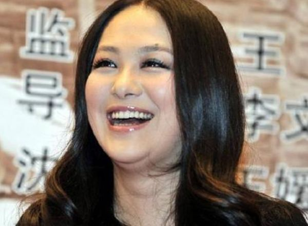 Vì sợ Triệu Vy mà mỹ nữ này phải đổi tên, gây tiếc nuối vì bỏ loạt phim đình đám để lấy chồng là hậu duệ Càn Long  - Ảnh 9.