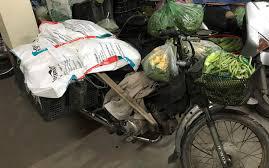 Người bán hàng ở Hạ Long yêu cầu phường phải mang xe và số rau đến tận nhà trả lại