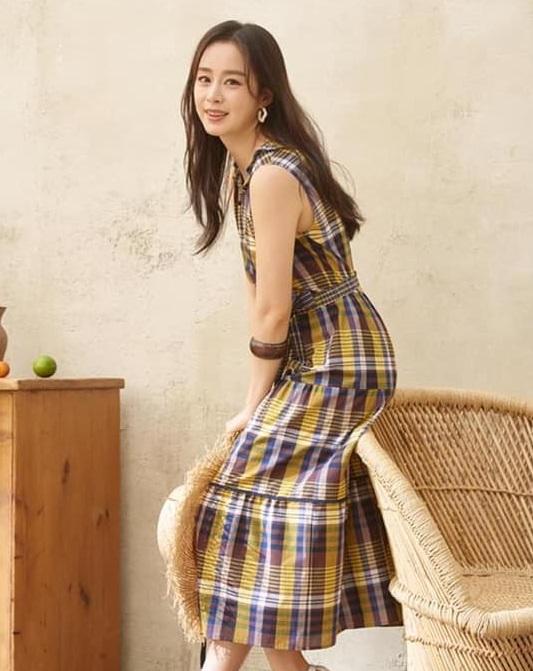 """Vừa bị chê tăng cân, Kim Tae Hee lại tung những khoảnh khắc đẹp ná thở chứng minh nhan sắc ngày càng lên hương dù đã là """"bà mẹ hai con"""" - Ảnh 5."""