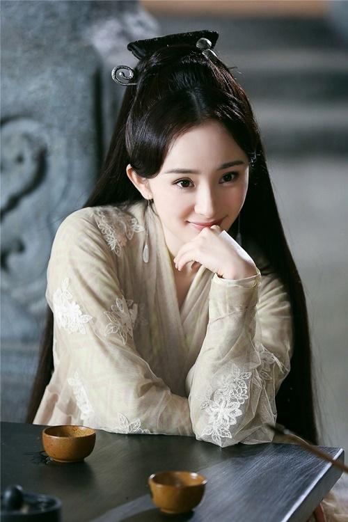 """Đường Yên - Angelababy - Dương Mịch bị chê mặt đẹp như hoa nhưng diễn tệ, vợ Triệu Hựu Đình cũng """"lọt hố"""" đơ cứng - Ảnh 3."""