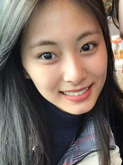 Chuyên gia trang điểm tiết lộ 2 nữ idol đẹp hoàn hảo dù không makeup: Tzuyu lại gây tranh cãi vì mặt mộc, còn lại là ai? - Ảnh 10.