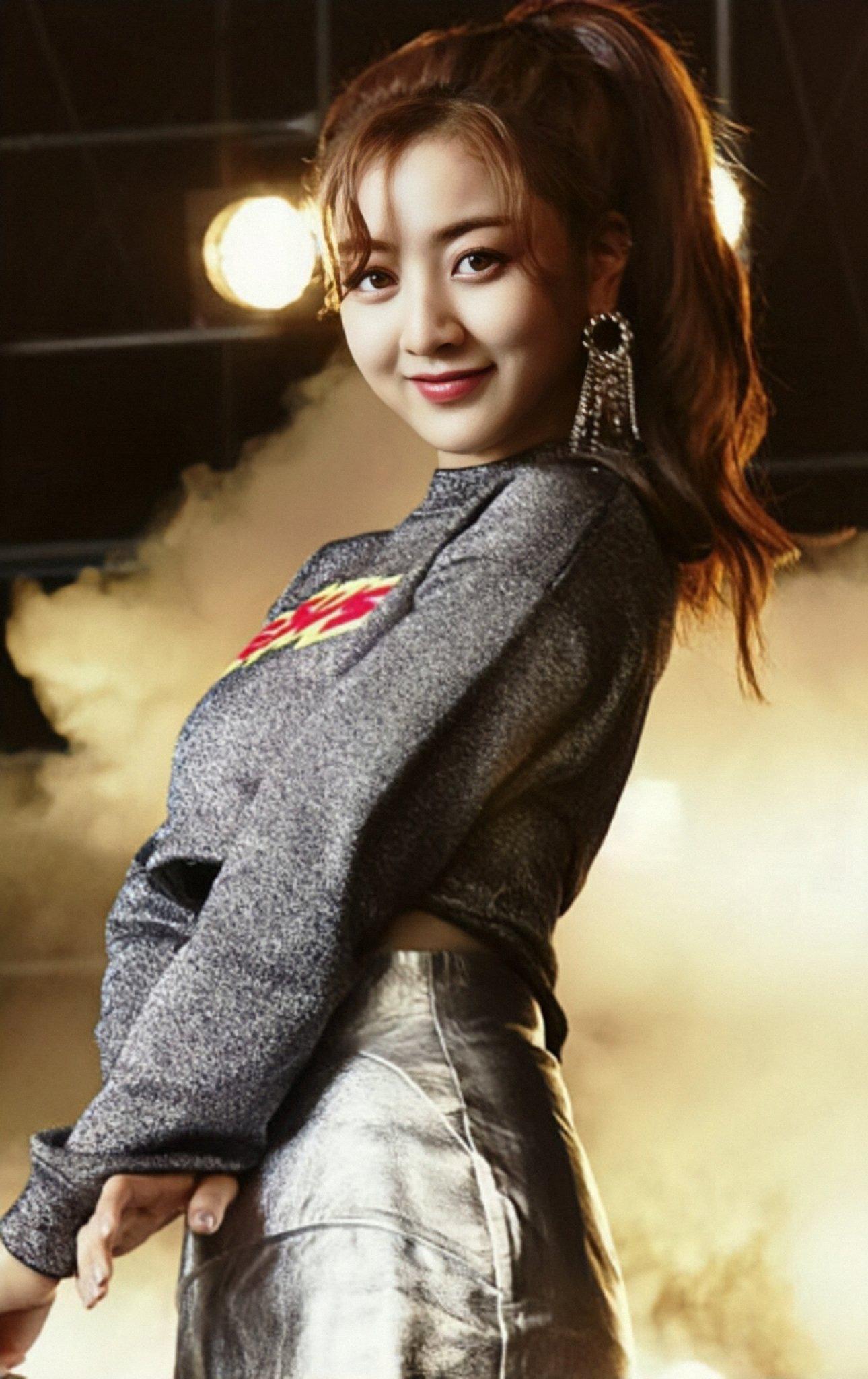 Chuyên gia trang điểm tiết lộ 2 nữ idol đẹp hoàn hảo dù không makeup: Tzuyu lại gây tranh cãi vì mặt mộc, còn lại là ai? - Ảnh 6.