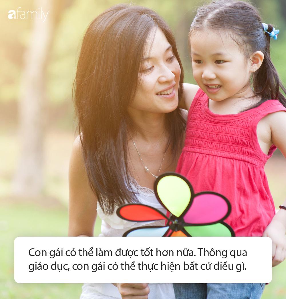 6 câu đại cấm kị bố mẹ tuyệt đối không nói với con gái để tránh sau này các bé lớn lên nhút nhát và thua kém bạn bè - Ảnh 3.
