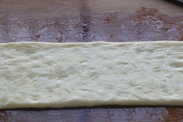 Tự làm bánh trứng sữa chiên xốp mềm thơm ngọt - Ảnh 2.