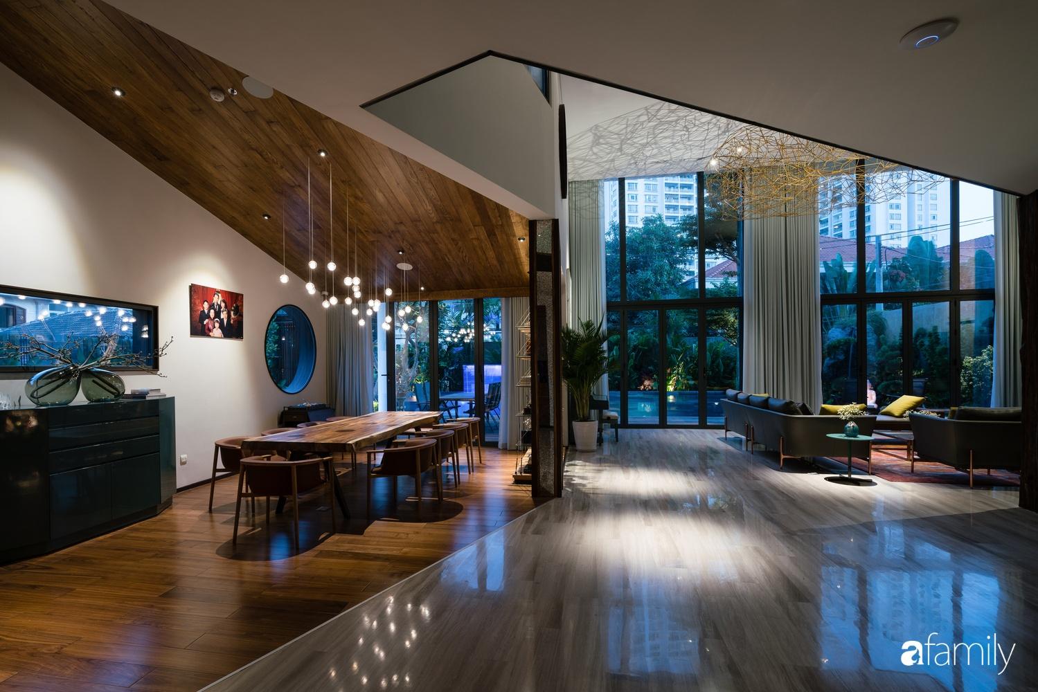 Biệt thự được xây nên nhờ chủ nhà truyền cảm hứng sáng tạo cho kiến trúc sư để tạo không gian xanh mát, sang trọng ở Quận 2, TP HCM - Ảnh 8.