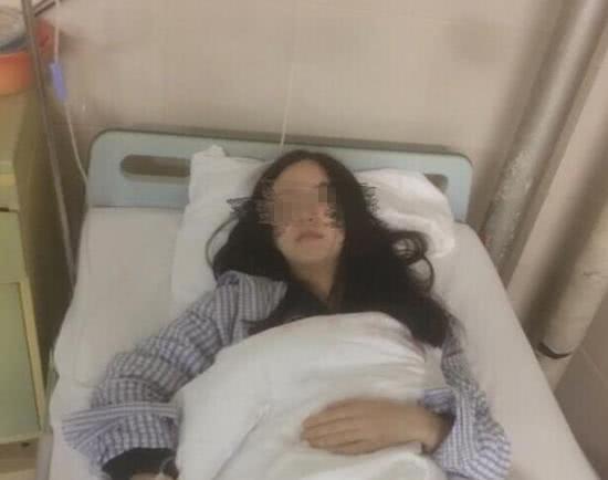 Cô gái 26 tuổi phải cắt bỏ cả tử cung do ung thư, nguyên do xuất phát từ 3 thay đổi cảnh báo bệnh của cơ thể mà rất nhiều phụ nữ phớt lờ - Ảnh 1.