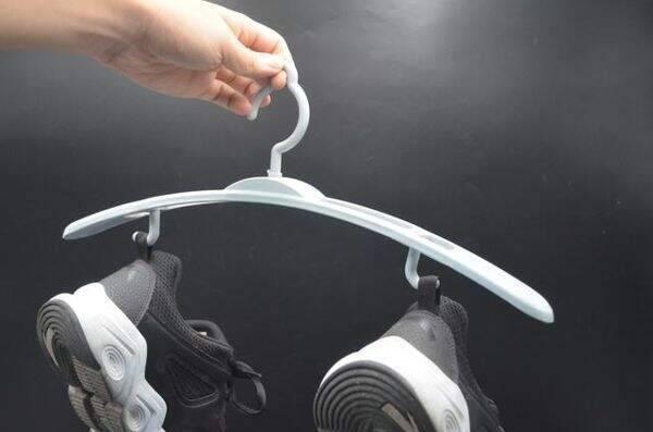 """Đi giày thể thao cả chục năm nhưng giờ tôi mới phát hiện 3 sự thật """"ngã ngửa"""" về chi tiết mẩu dây phía sau gót - Ảnh 3."""