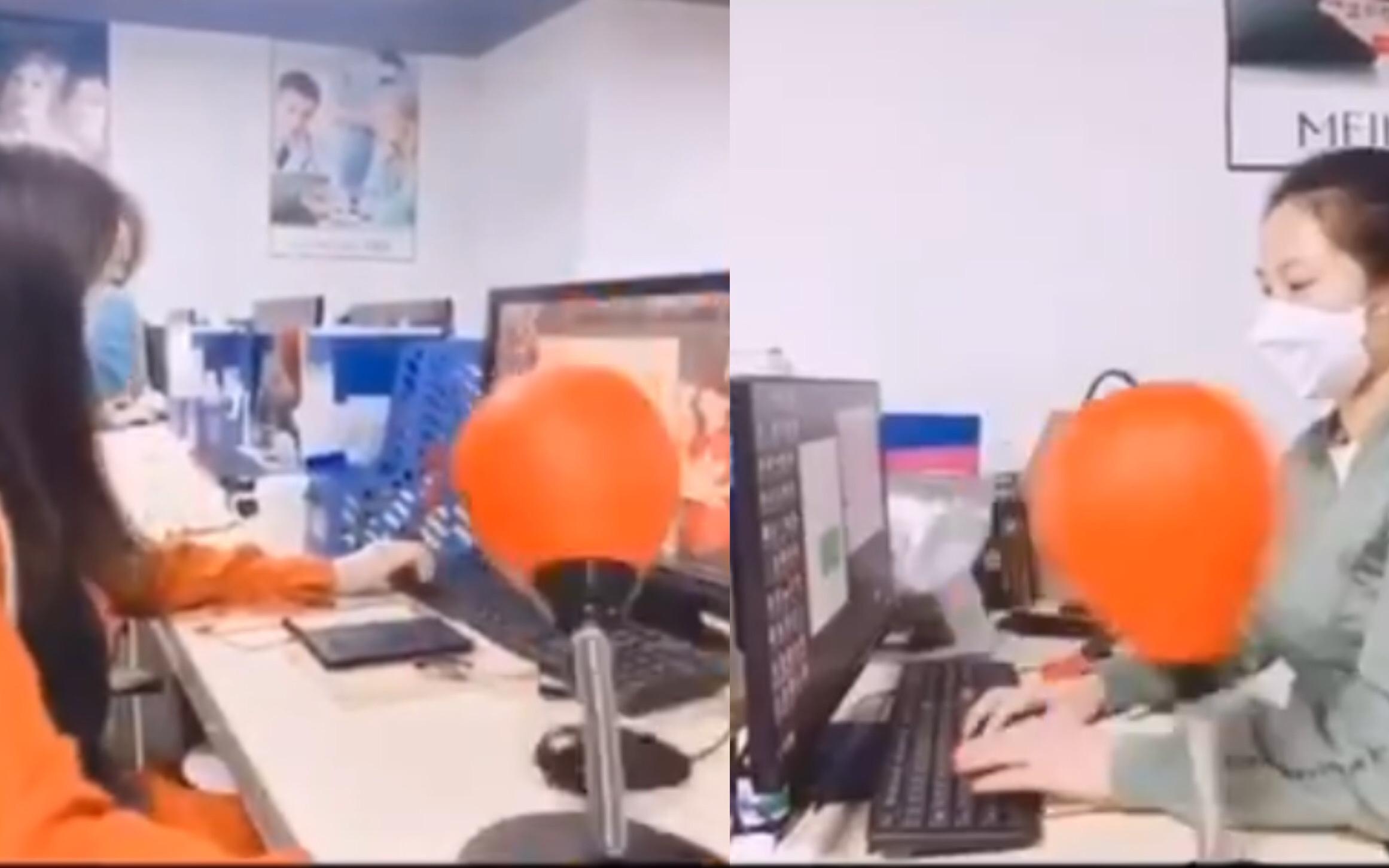 Dân mạng thích thú vì clip nhân viên tư vấn được trang bị bao đấm bốc trên bàn làm việc, xả stress chưa bao giờ dễ như thế!