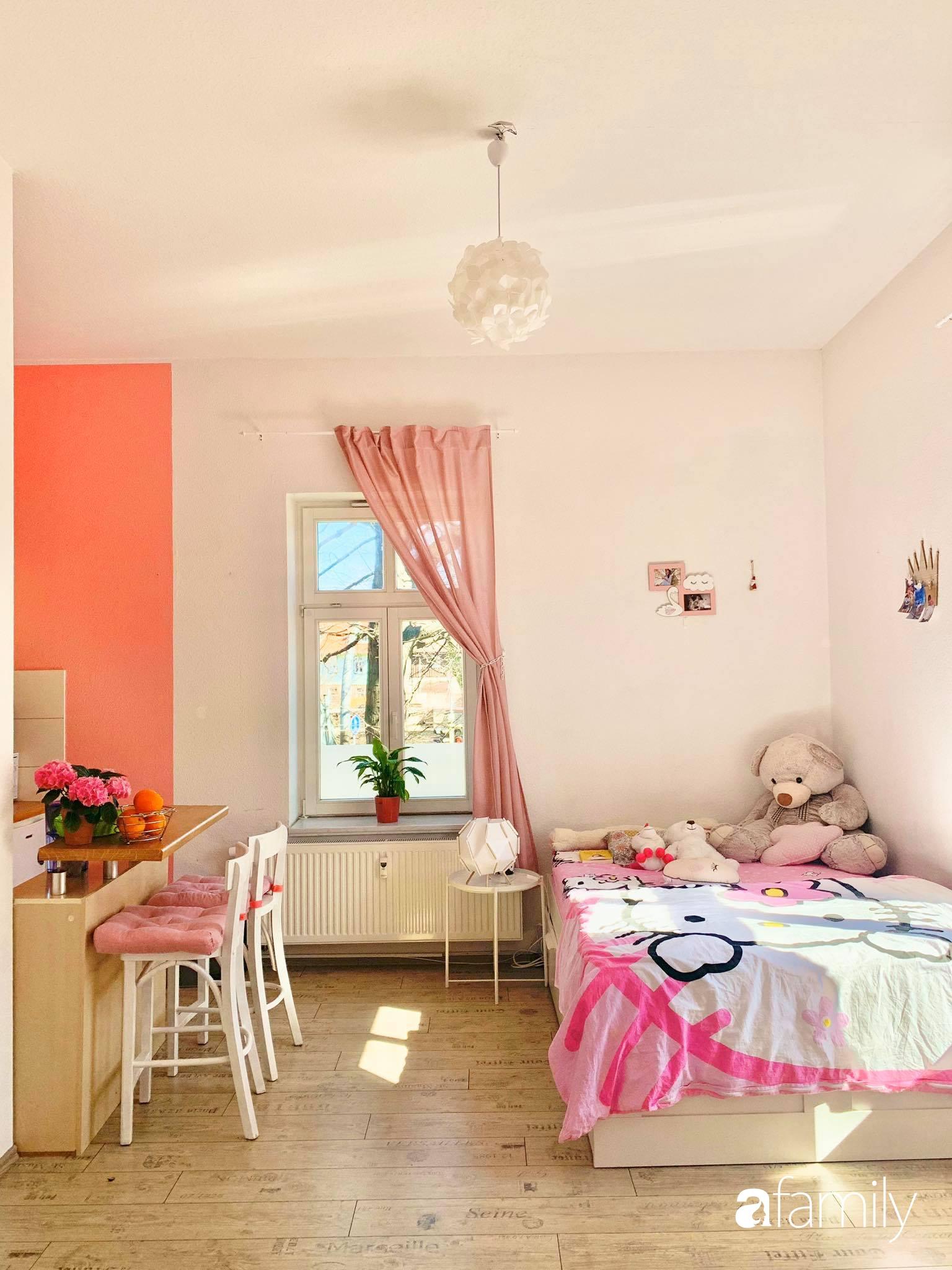 Giữa tâm dịch của nước Đức, cô gái Việt tạo niềm vui bằng cách cải tạo căn phòng thành không gian màu hồng mộng mơ - Ảnh 9.