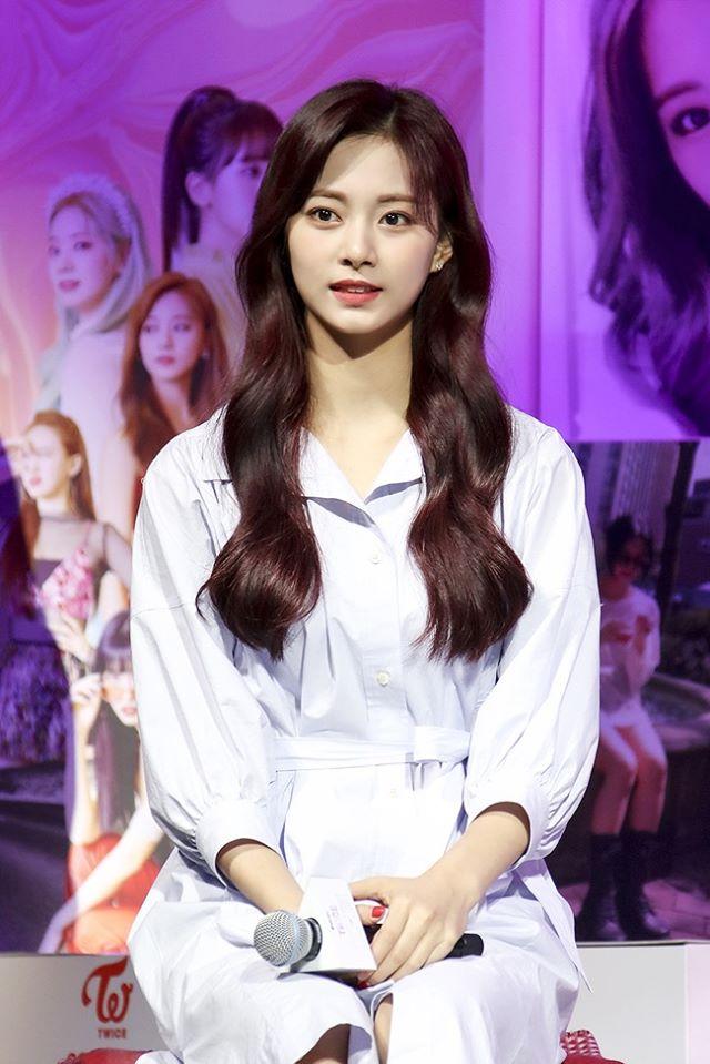 """Twice đồng loạt đổi tóc mới: Tzuyu """"max xinh"""" nhưng kéo đến Sana – Nayeon mới bất ngờ - Ảnh 2."""