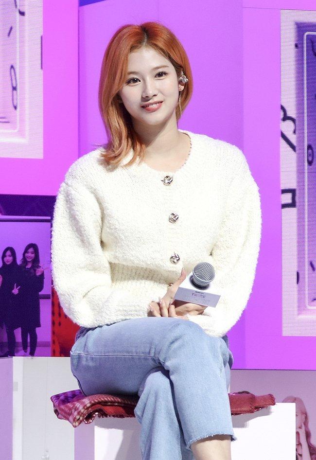 """Twice đồng loạt đổi tóc mới: Tzuyu """"max xinh"""" nhưng kéo đến Sana – Nayeon mới bất ngờ - Ảnh 4."""