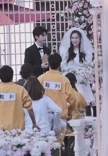 """Không phải Huỳnh Hiểu Minh, mỹ nam cao 1m85 - Thái Từ Khôn là người vừa làm """"đám cưới"""" với Angelababy   - Ảnh 2."""