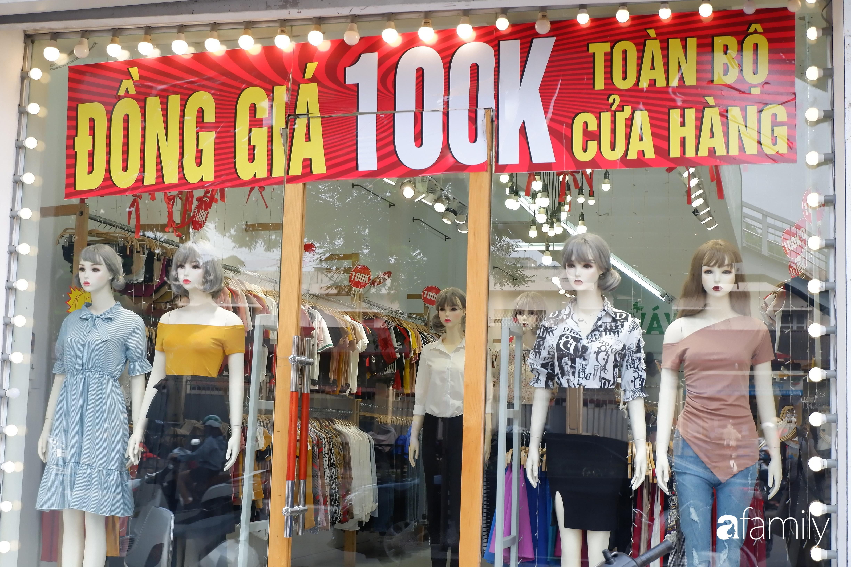 Hà Nội: Tranh thủ dịp nghỉ lễ chị em ghé ngay phố thời trang mua sắm vì đang có hàng loạt chương trình giảm giá cao nhất tới 80% từ thời trang cho tới mỹ phẩm - Ảnh 3.