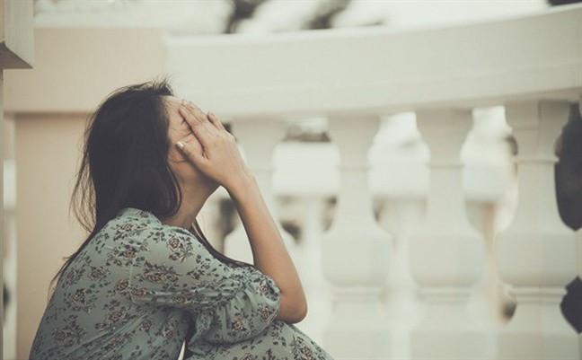 Ly hôn 5 năm, một hôm chồng cũ đột nhiên tới tận nhà rồi yêu cầu một điều khiến tôi giật nảy người và đóng sầm cửa giận dữ - Ảnh 1.